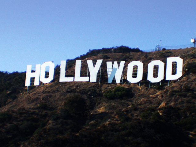 hollywood-sign-2-2004-1235306-640x480